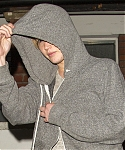 April_25_-_Leaving_a_friends_house_in_London_281129.jpg