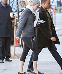 December_15_-_Returning_to_her_hotel_after_doing_some_work_out_at_the_gym_in_New_York_281129.jpg