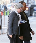 December_15_-_Returning_to_her_hotel_after_doing_some_work_out_at_the_gym_in_New_York_281329.jpg