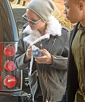December_15_-_Returning_to_her_hotel_after_doing_some_work_out_at_the_gym_in_New_York_281629.jpg