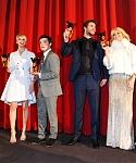 November_12_-_The_Hunger_Games_Catching_Fire_Berlin_Premiere_28Inside29_28929.jpg