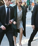 November_13_-_Arriving_back_at_her_hotel_in_New_York_28429.jpg
