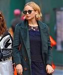 November_15_-_Leaving_her_hotel_in_New_York_City_before_she_heads_to_Mockingjay_Fan_Press_Event_282229.jpg