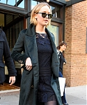 November_15_-_Leaving_her_hotel_in_New_York_City_before_she_heads_to_Mockingjay_Fan_Press_Event_28329.jpg