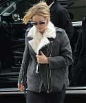 November_16_-_Arriving_at_Soul_Cycle_Gym_in_New_York_City_282329.jpg