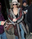 November_16_-_Leaving_her_hotel_in_New_York_285329.jpg