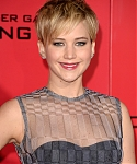 November_18_-_The_Hunger_Games_Catching_Fire_Los_Angeles_Premiere_281029.jpg
