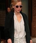 X_November_13_-_Arriving_at__Good_Morning_America__in_New_York_286029.jpg